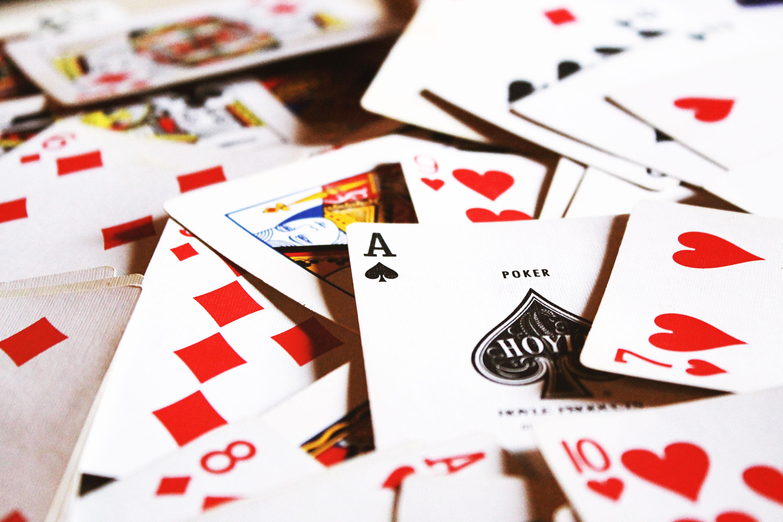 Alasan Mengapa Banyak Orang Lebih Memilih Poker Online Apk